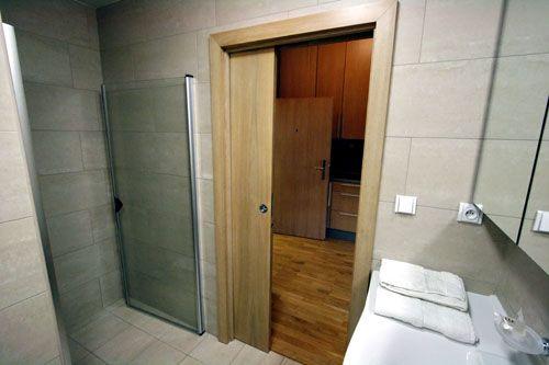 Выбираем дверь в ванной