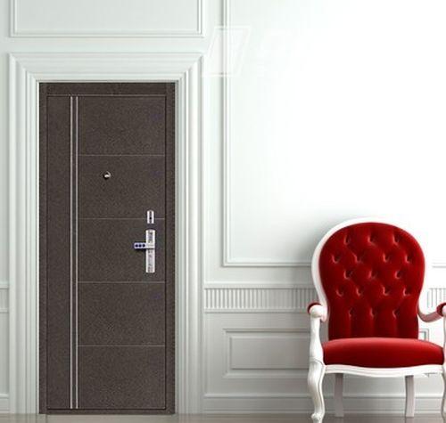 Дверь Форпост в интерьере