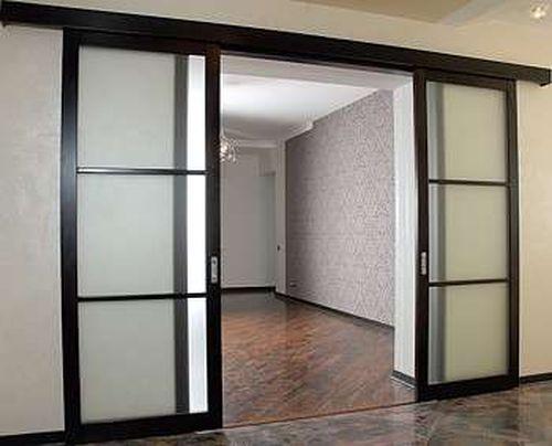 Двери на роликах в стиле хай-тек