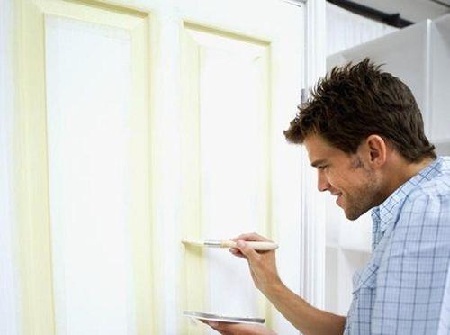 Как покрасить дверь?