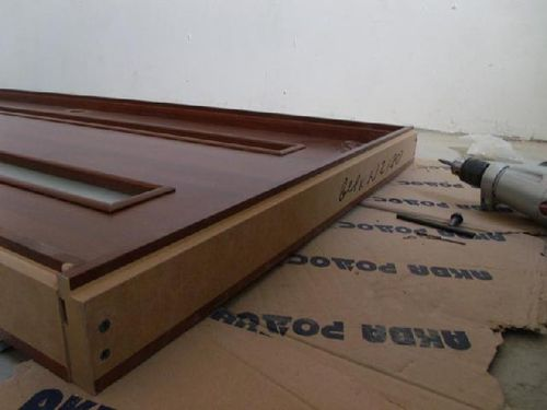 Как правильно установить коробку двери?