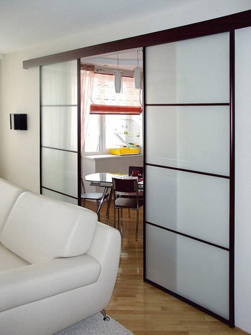 Как выглядят раздвижные межкомнатные двери в интерьере