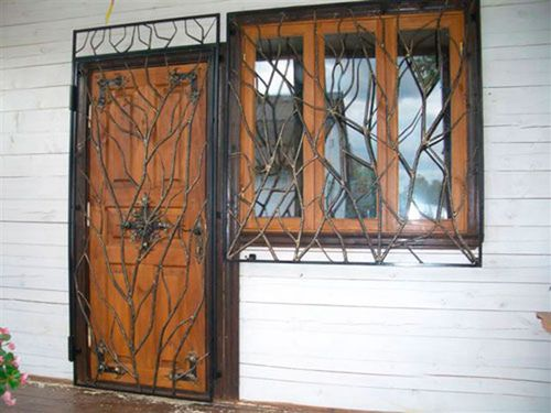 reshetki_na_dveri_02