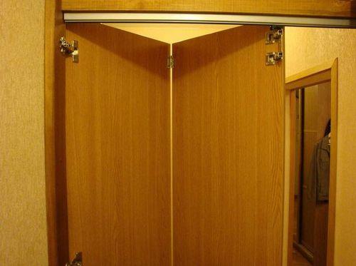 Как установить дверь гармошку?