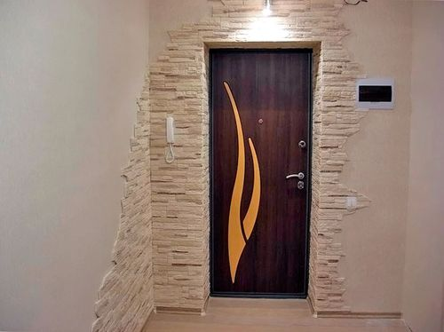 декор входной двери в квартире