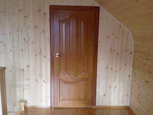 Какие бывают деревянные двери?