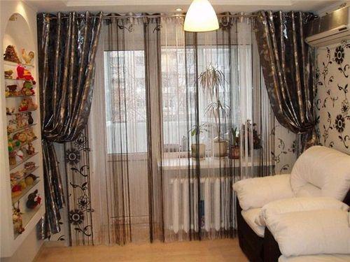 shtory_dlya_balkonnoj_dveri_08