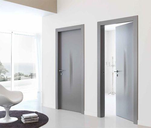Серые межкомнатные двери