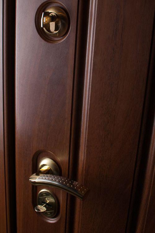 kitajskie_metallicheskie_dveri_03