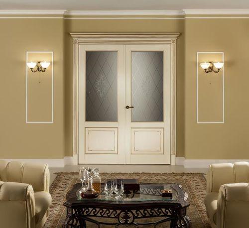 Белая межкомнатная дверь