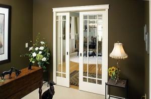 Белые двери
