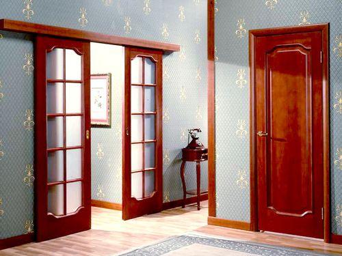 Выбираем красные двери