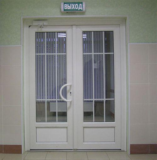 vxodnye_metalloplastikovye_dveri_01