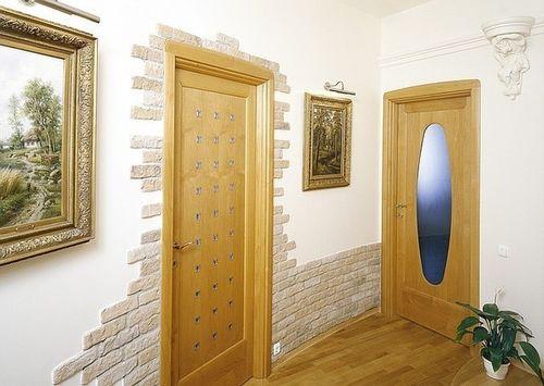 Декоративная отделка дверей в квартире