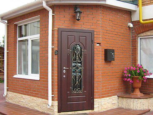 elitnye_vxodnye_dveri_dlya_kvartiry_ili_doma_04