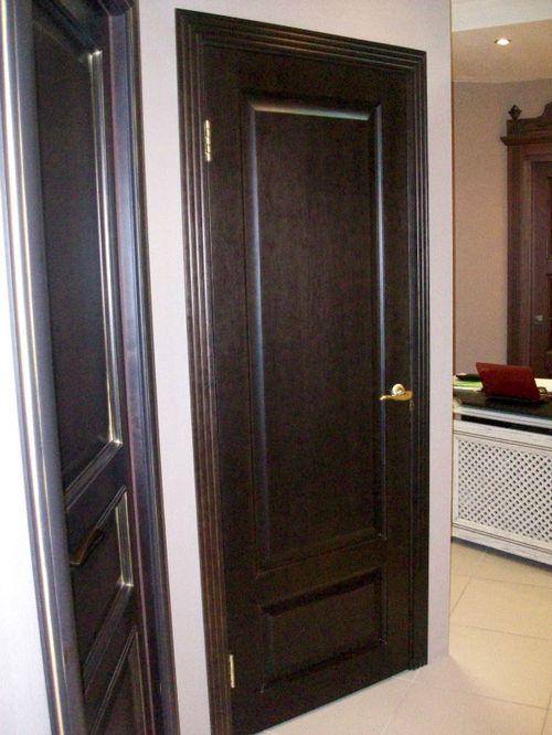 Чем хороши межкомнатные двери из натурального шпона