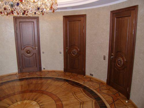 mezhkomnatnye_ili_vxodnye_dubovye_dveri_09