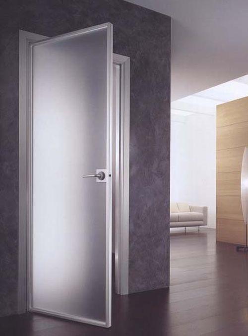 plastikovuyu_dver_v_vannuyu_i_tualet_04