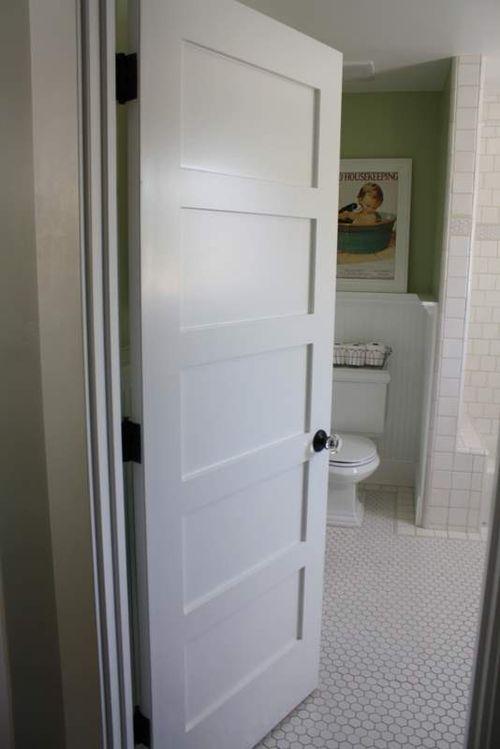 plastikovuyu_dver_v_vannuyu_i_tualet_07