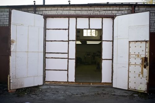 uteplit_dveri_garazha_06