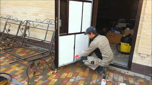 Как выбрать утеплитель для металлической двери
