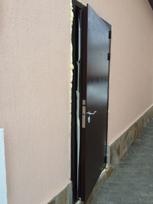 vxodnoj_dveri_s_termorazryvom_08