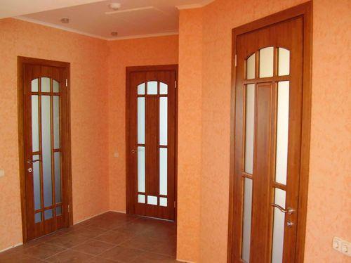 Выбираем деревянную межкомнатную дверь