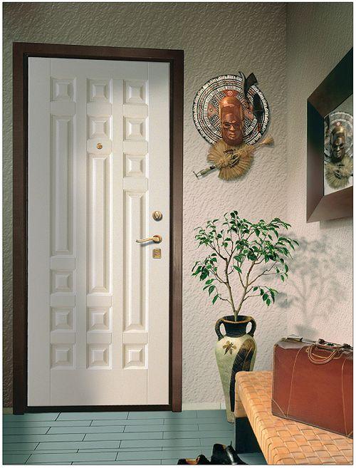 Какие бывают входные двери в квартиру