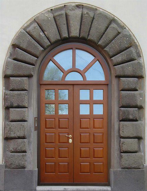 arochnye_vxodnye_dveri_dlya_doma_08