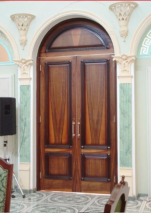Как выбрать арочные входные двери для дома