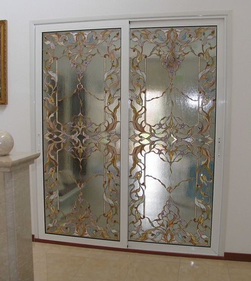 krasivyj_dekor_mezhkomnatnyx_dverej_07