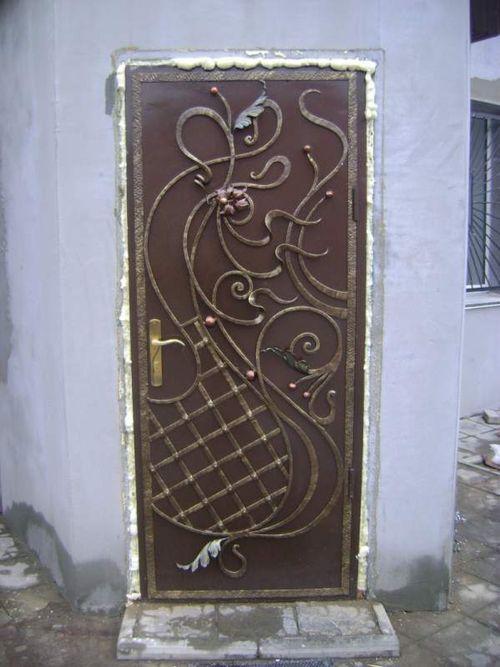 vxodnye_kovanye_dveri_dlya_doma06