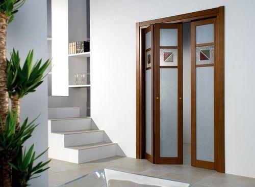 Все про межкомнатные складывающиеся двери: виды, особенности и размеры