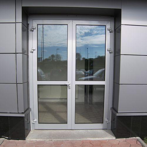 osteklennye_vxodnye_dveri_3