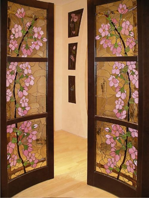 Дверь с рисунком