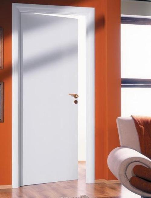 Выбираем белые глянцевые межкомнатные двери для обустройства квартиры