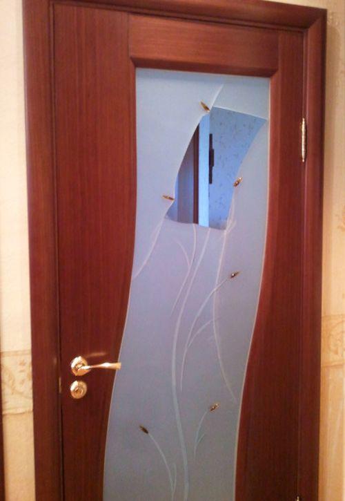 zamenu_stekla_v_mezhkomnatnoj_dveri_2
