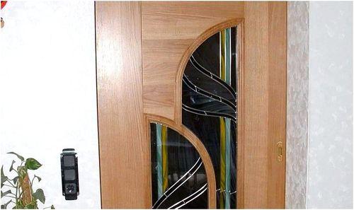 zamenu_stekla_v_mezhkomnatnoj_dveri_4