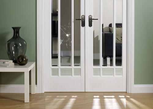 Инструкция как вставить стекло в межкомнатную дверь