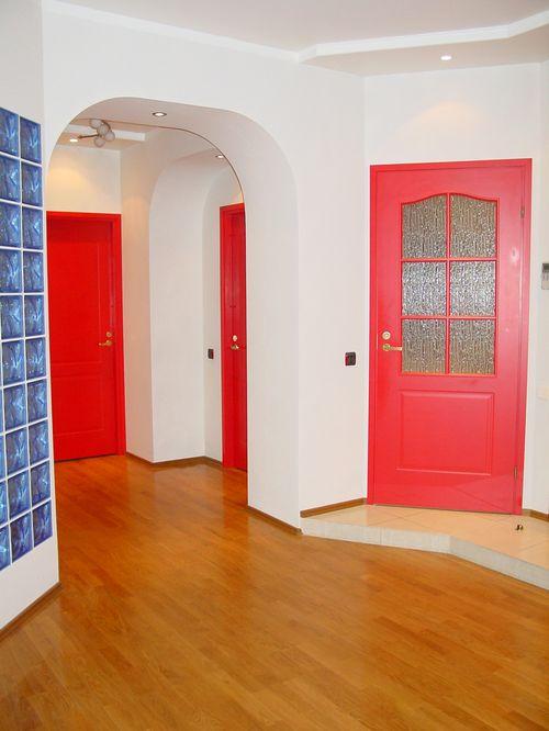 Как покрасить старую межкомнатную дверь