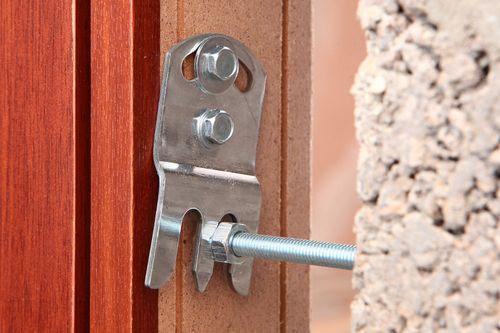 Как выбрать и установить монтажный комплект для дверей