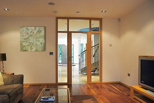 Как оформить обрамление дверных проемов в современном стиле