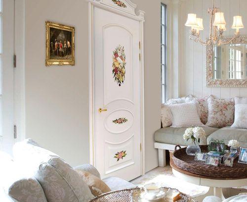 Красивые двери в белом исполнении