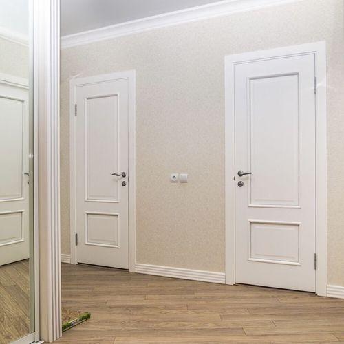 Межкомнатные двери белый ясень в интерьере