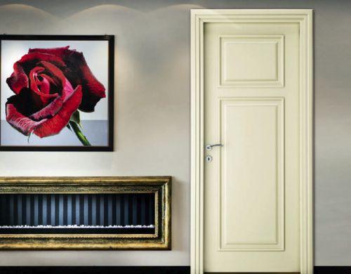 Двери в бежевом цвете