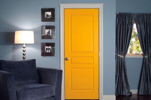 Оранжевые двери