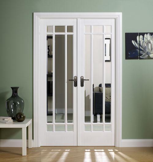 Обзор моделей белых дверей с зеркалом