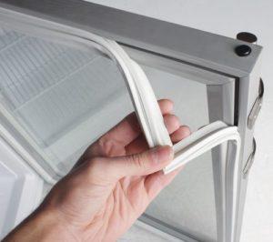 Расположение резинки на двери холодильника