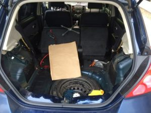 Багажное отделение автомобиля Ниссан